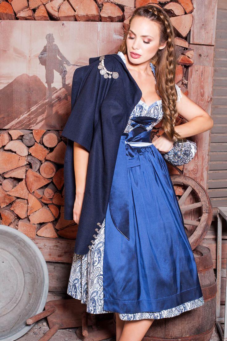 Das edle Designer Dirndl Claudia ist ein Sommernacht-Traum von El Picaflor! Kaufen Sie Ihr Designer Dirndl online, versandkostenfrei & auf Rechnung!