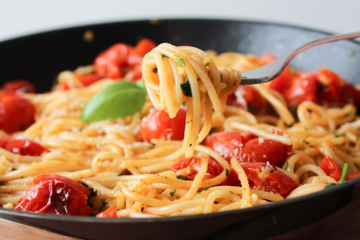 Easy and delicious pasta dish with cherry tomatoes.