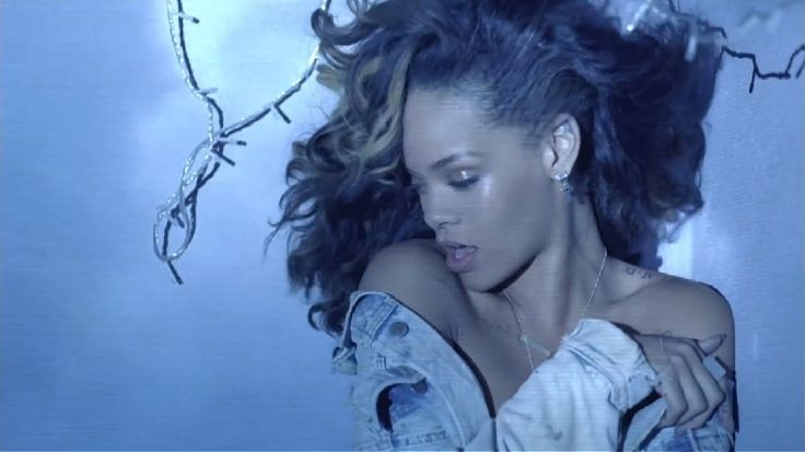 Presto uscirà un documentario su #Rihanna realizzato da #PeterBerg!