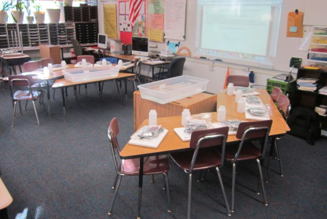 Classroom Decoration Desk Arrangements ~ Another way to arrange trapezoid desks eresting