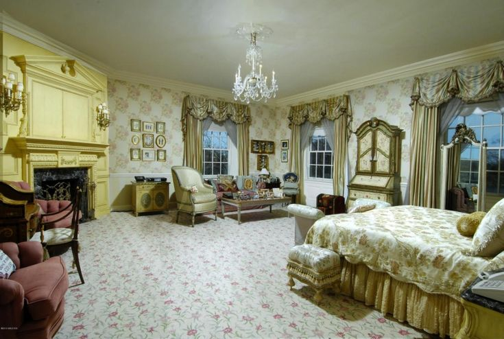 Donald Trump house bedroom