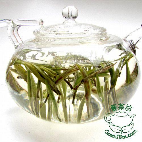 Buy White Tea - White Down Silver Needle Tea from Zhenghe