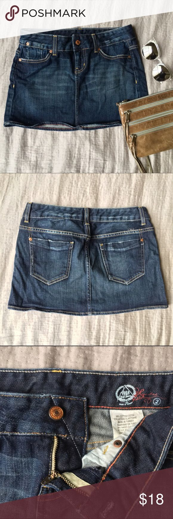 Gap Dark Denim Jean Miniskirt (EUC)(2) Wear with or without tights, pair em with your favorite sunnies and get ready for spring! This is a dark denim miniskirt by Gap. Size 2. In excellent condition! GAP Skirts Mini