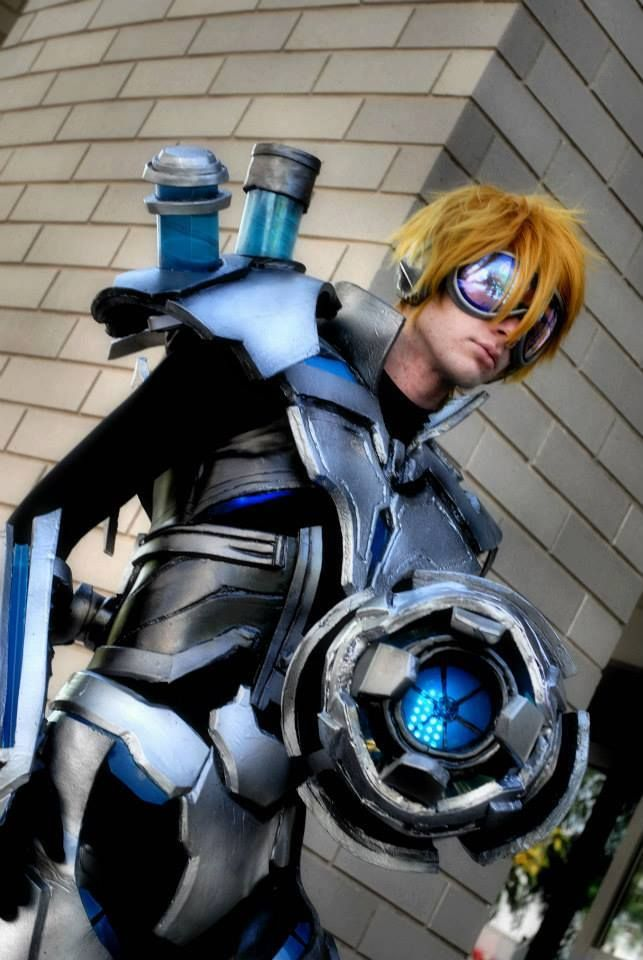 League of Legends - Pulsefire Ezreal by KrookedKev ...