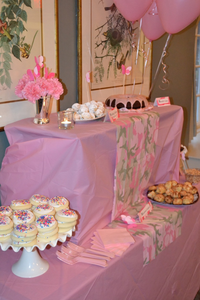 Pink camo baby shower baby showers baby shower for Pink camo decorations