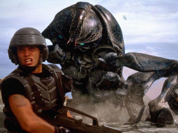 """2/25/14 8:54a """"Starship Troopers"""" (1997) Huge Tanker Bug with Fire-Torch"""