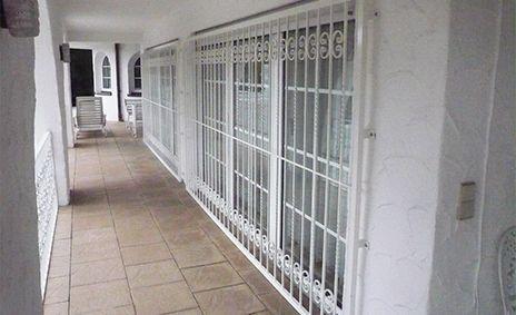 Einbruchschutz für Fenster, Kellerfenster, Haustüren,Terassentüren und Kellertüren