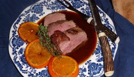 Eendenborst Met Sinaasappel-tijmsaus recept | Smulweb.nl
