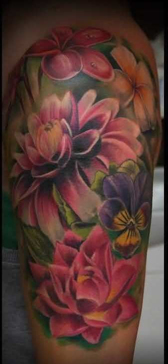 Pretty 3D Color Flower Tattoos On Upper Arm