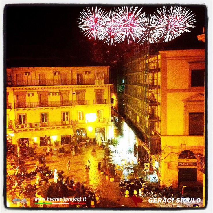#Palermo, i giochi d'artificio per la patrona di Palermo, visti da un angolo della città, piazza Garibaldi. www.hyeracijproject.it #ilgustodiviverelastoria, © #2014HyeracijProject