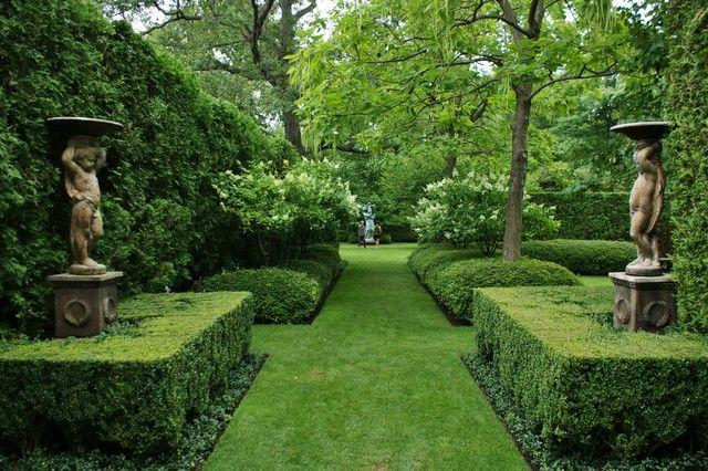 muffytakesmanhattan:  (via Formal Garden Design - traditional - landscape - chicago - by www.KarlGercens.com)