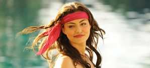 An article that shows you, step by step, how to look exactly like Cleo Sertori from H2O: Just Add Water! Enjoy!