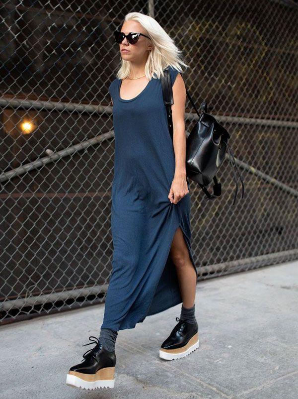 vestido longo com sapato plataforma;