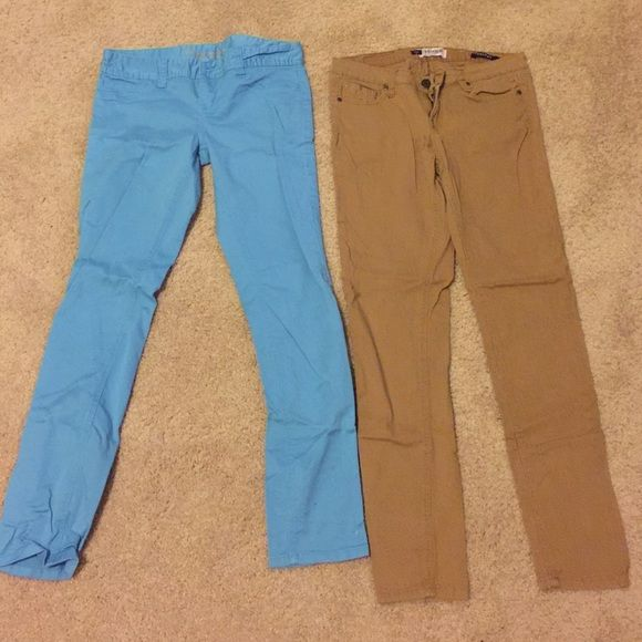 👖👖👖Skinny pant bundle deal👖👖👖 American Rag is the light blue and Vigos is the camel pant Pants Skinny