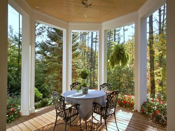 This looks like a beautiful escape for morning coffee and breakfast.