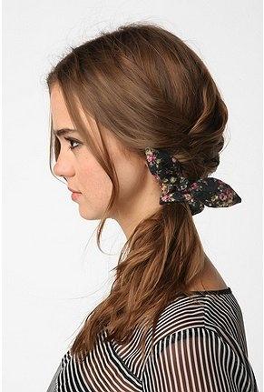 cute side tie/braid