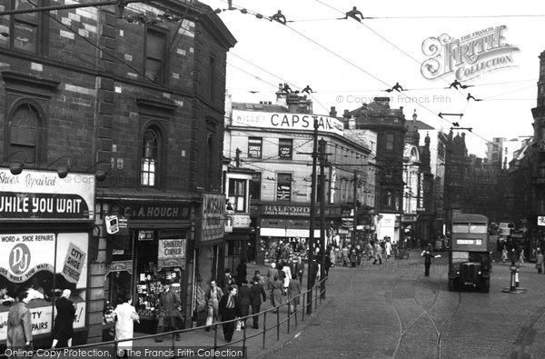 Bradford, Town Hall Square c1950