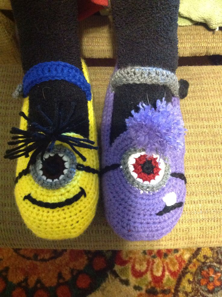 Crocheting Stuff : ... slippers. Good and evil minions. Crochet accessories Pinterest