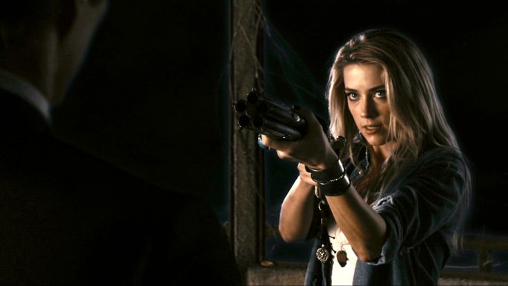 Piper / Amber Heard (Drive Angry)