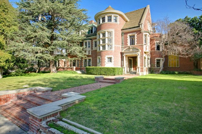 The spooky L.A. mansion from season one of American Horror Story has finally sold for $3.2M, after many a price cut. Though this troubling market history might lead one...