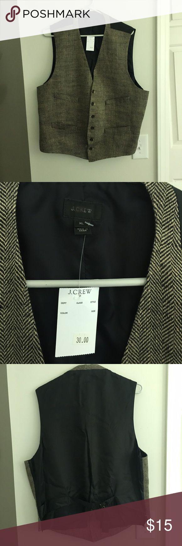 NWT J. Crew Tweed Vest Tweed vest by J.Crew, brown tweed herringbone pattern, size XL, never been worn! Also have one in Sz M if wanting to bundle! J. Crew Suits & Blazers Vests