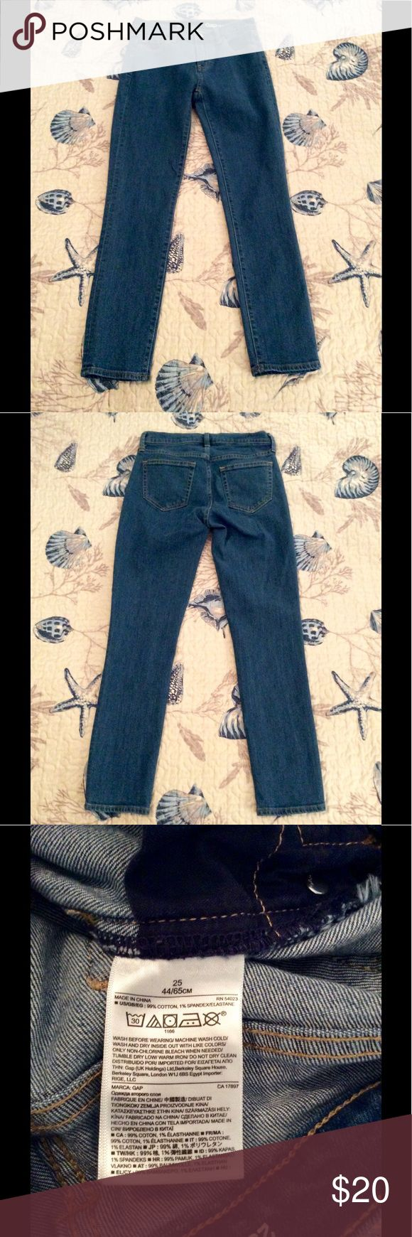 "EUC Gap Girlfriend Blowout Skinny Jeans Excellent condition (maybe even NWOT, I can't remember) - no marks, rips, holes, stains, etc. Features 3 real front pockets & 2 back pockets. Shade is Medium Indigo. Measures 36 inches long, 14"" waist, 9"" inseam. From Spring 2016. No trades. Comes from smoke & pet free home. Don't hesitate to ask any questions! GAP Jeans Skinny"