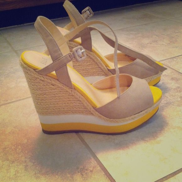 NWOT Elle shoes Bought these and they are super cute but never wore them because I didn't have any clothes to match them. Elle Shoes