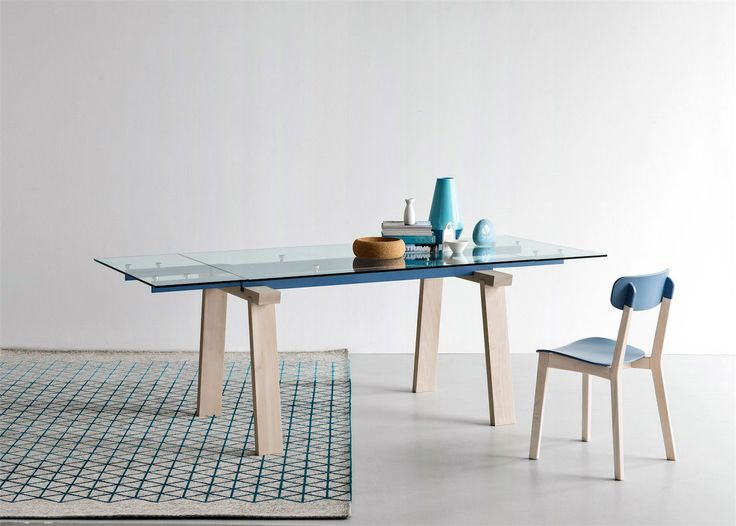Calligaris | Levante Extending Dining Table | Available in a number of different finishes | Two sizes to choose from.
