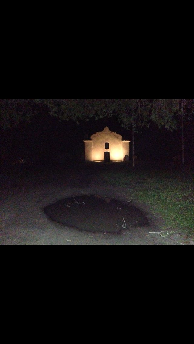 Igreja no Quadrado em Trancoso - Brasil   http://imoveismlara.wordpress.com/  http://www.marcelolara.com.br