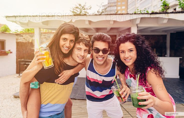 friends having fun in a summer party by David Pereiras on 500px