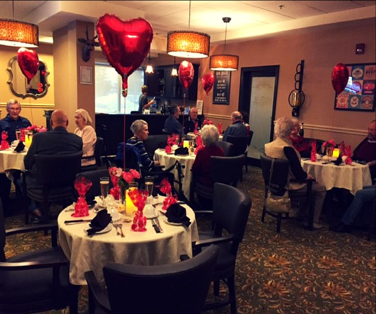 Richmond Hill Retirement Residence: Celebrating Valentine's Day at the Bells & Whistles pub with chocolate, Champaign and great friends! # VibrantSeniorLiving #RHRR #HappyValentinesDay
