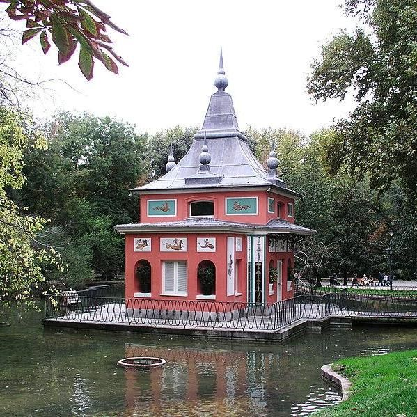 Spend a lazy afternoon in Parque del Buen Retiro in #Madrid  #travel #Spain