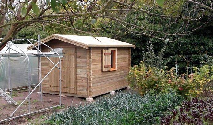 Dans l'Aisne, un abri de jardin Maisonelle vient juste d'être monté.