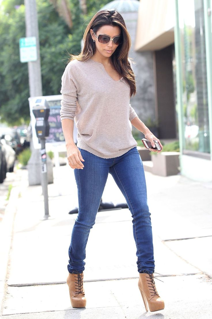 Eva Longoria gorgeous in skinny jeans loose sweater and high heel booties. #jeans #heels #legs ...