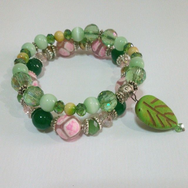 Crystals, stones, and other materials  #gelang #bracelet #hijau #green #perhiasan #jewelry #accessories #aksesoris  #handmadeaccessories #handmade #handmadebracelet #statementbracelet #hijabstyle #hijabaccessory
