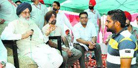 SAD (B) Dal groups engage in bloody clash Parkash Singh Badal's presence - http://sikhsiyasat.net/2014/09/14/sad-b-dal-groups-engage-in-bloody-clash-parkash-singh-badals-presence/