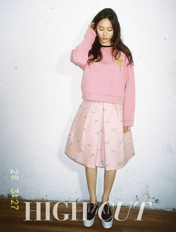 f(x) Krystal in High Cut Vol. 142 Look 2