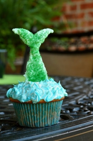 mermaid party - mermaid tail cupcakes