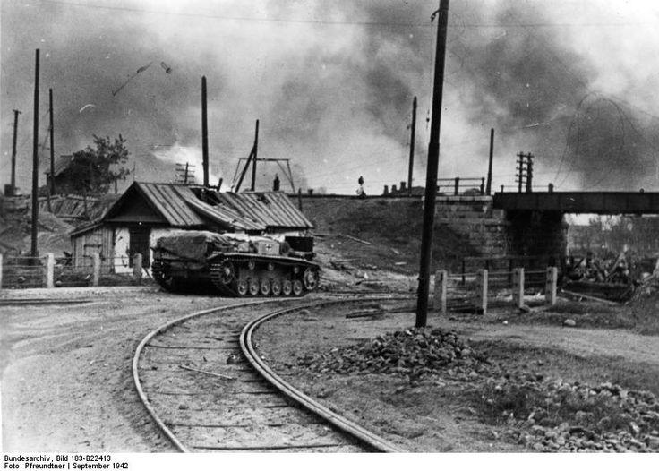 German StuG III assault gun in Stalingrad, Russia, Sep 1942