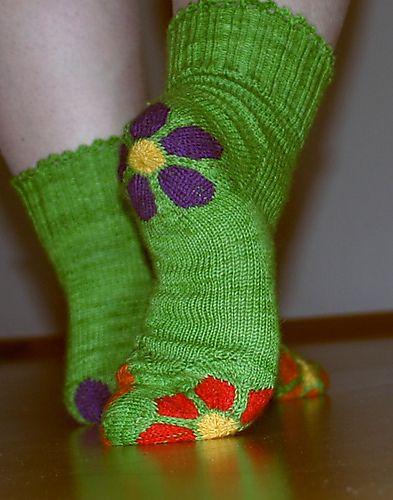 Ravelry: bluemchen - flowers pattern by Beate Zäch