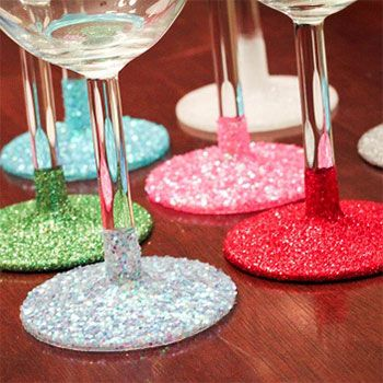 DIY washable glitter glassware - Dip the stems in glitter and then add 2 coats of clear sealant to make them hand washable!