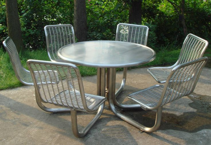 Furniture, Metal Commercial Picnic Tables Round Picnic Table Top With 6 Chairs Circular Picnic Table For Family Lunch In Outside Outdoor Furniture Water Resistant Garden Or Pation Decorations Comfortable Seating: Modest Circular Picnic Table for Outdoor Room