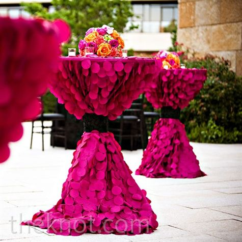 Absolutely LOVE the texture of these table cloths for a cocktail hour. Textured magenta linens packed a bold punch in the outdoor patio space.