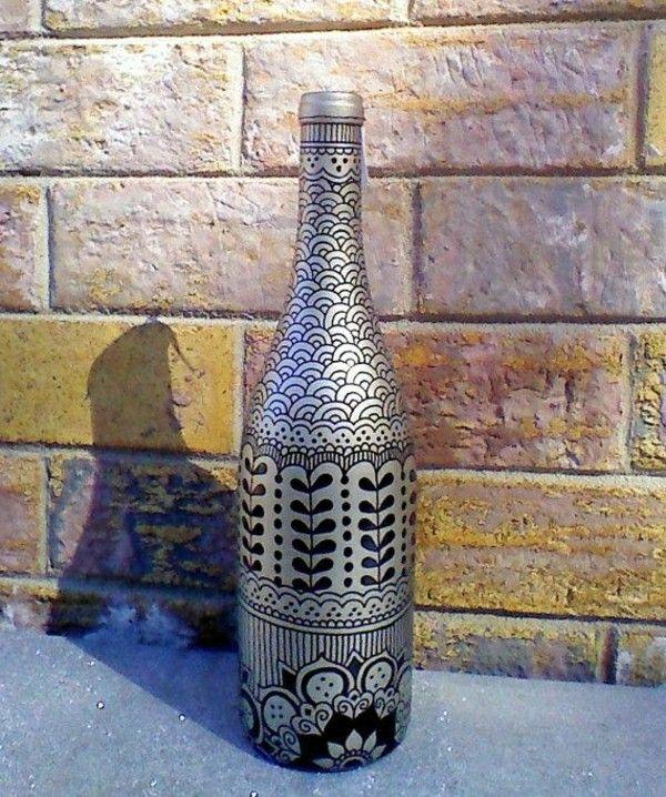 bouteille peinte la main henn silver black bouteilles d cor es pinterest bouteilles. Black Bedroom Furniture Sets. Home Design Ideas