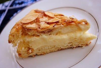 Wannabe Culinarian: German Bee Sting Cake (Bienenstich)