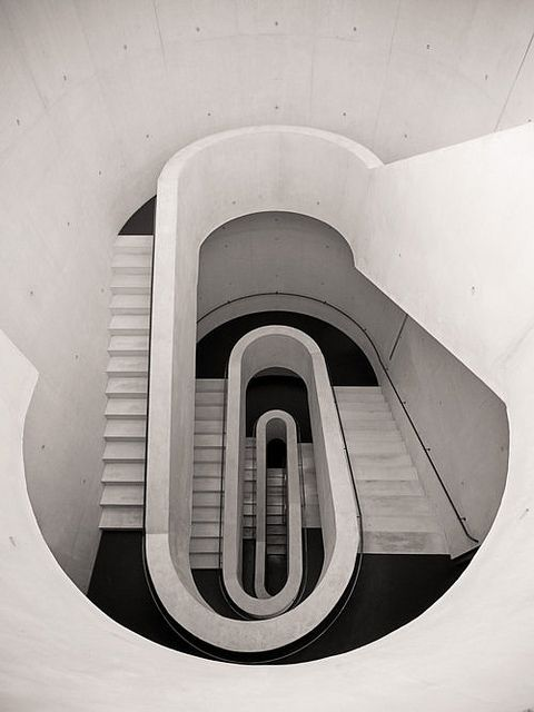 Staircase: Concrete Art, Modern But, Spirals Stairca, Cars Girls, Modern Stairca, Architecture, Stairs Design, Stairways, White Stairs