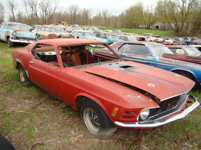 own a mustang junk yard lost in time classic cars pinterest. Black Bedroom Furniture Sets. Home Design Ideas