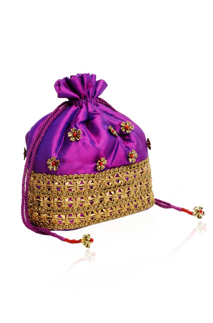 Phool Bahar Potli Rs. 1650/- http://www.juvalia.in/collection/cocktail-closet/the-bag-brigade/phool-bahar-potli.html