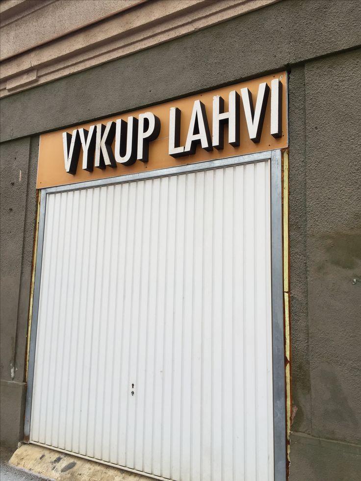 Repurchase of bottles. Prague-Kobylisy