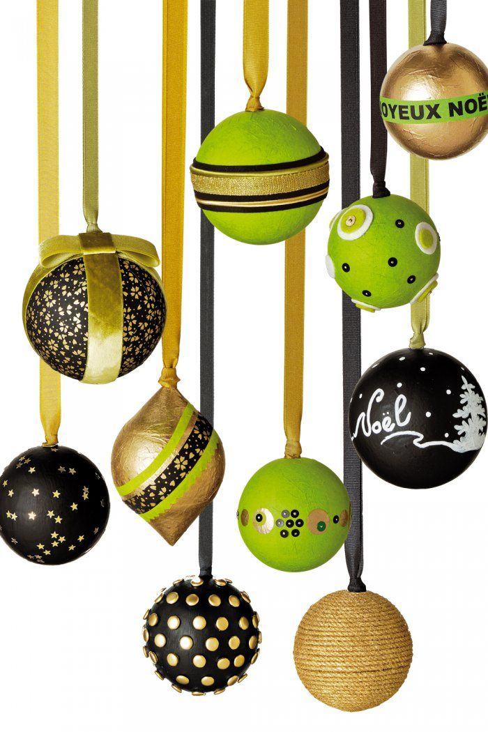 boule deco noel dco de nol faire une boule lumineuse pour le jardin with boule deco noel. Black Bedroom Furniture Sets. Home Design Ideas